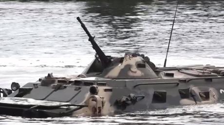Des troupes russes, biélorusses et serbes éliminent des «terroristes» lors de manœuvres conjointes