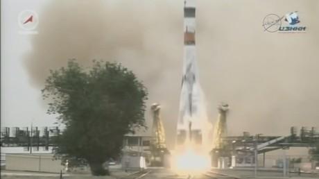 Kazakhstan : un incendie provoqué par le décollage d'une fusée vers l'ISS fait une victime