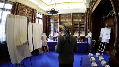 Un bureau de vote à Nice
