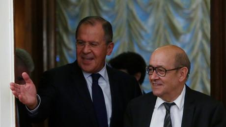 Le chef de la diplomatie russe Sergeï Lavrov et son homologue français Jean-Yves Le Drian à Moscou, le 20 juin