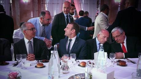 Sur fond de menace terroriste, le président français rompt le ramadan - une première en dix ans