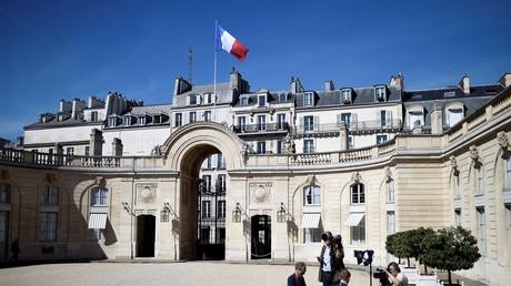 Gouvernement Philippe II : Macron fait entrer trois proches et maintient le lien avec le MoDem