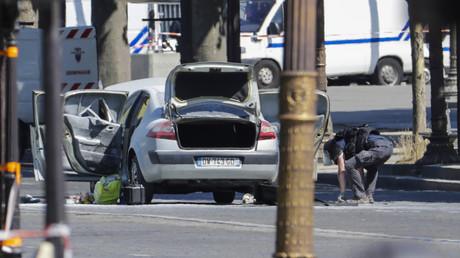 Attentat des Champs-Elysées du 19 juin : un arsenal incroyable retrouvé, selon François Molins