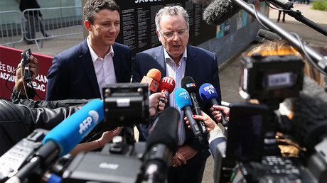 Richard Ferrand répond aux journalistes en mai 2017, photo ©CHARLY TRIBALLEAU / AFP