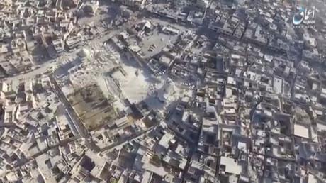 La mosquée Al-Nouri détruite où Abou Bakr al-Baghdadi avait donné en juillet 2014 son premier prêche en tant que leader de Daesh