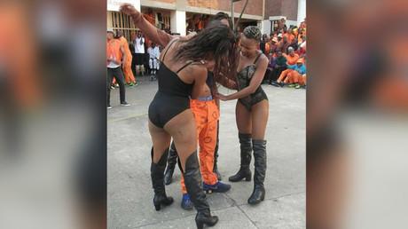 Afrique du Sud : un strip-tease en prison embarrasse les autorités (IMAGES)