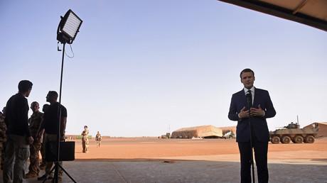 Emmanuel Macron lors de son déplacement au Mali