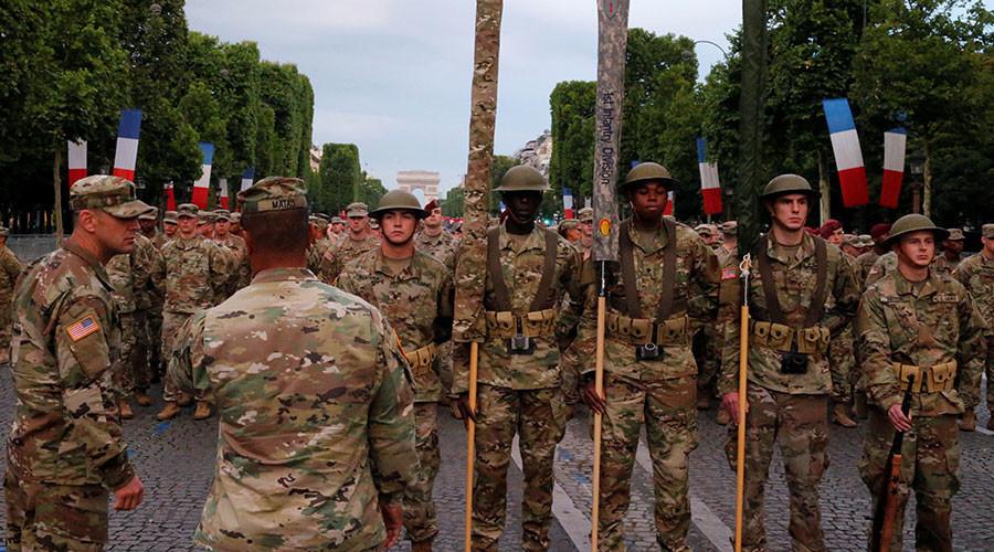 Les troupes américaines répètent sur les Champs-Elysées avant le défilé du 14 juillet (PHOTOS)