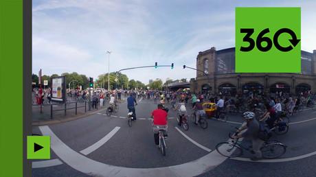 Manifestation des cyclistes en colère contre le G20 à 360 degrés