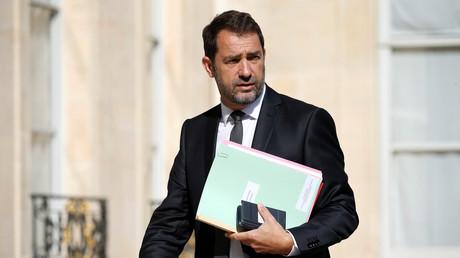 Christophe Castaner dans la cour de l'Elysée en mai 2017