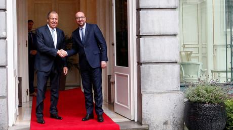 Le ministre russe des Affaires étrangères Sergueï Lavrov rencontre son homologue belge