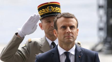 Le chef d'état-major des armées Pierre de Villiers et Emmanuel Macron, ici en mai 2017, photo ©Michel Euler / POOL / AFP