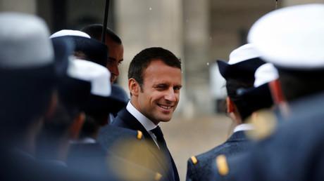 La revue des troupes par Emmanuel Macron le 30 juin 2017