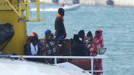 Migrants débarqués en Sicile en mars 2017, photo ©Giovanni ISOLINO / AFP