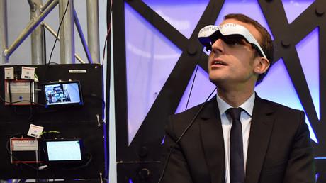 Emmanuel Macron à la foire high-tech Futurapolis en 2016