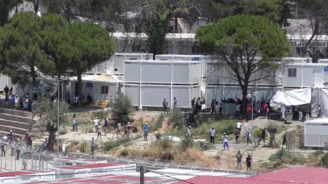 Des migrants sur l'île de Lesbos