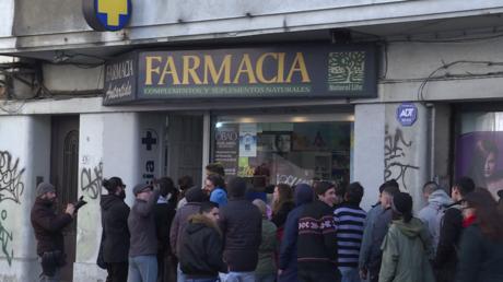 Cannabis en vente libre en Uruguay : queues devant des pharmacies (VIDEO)