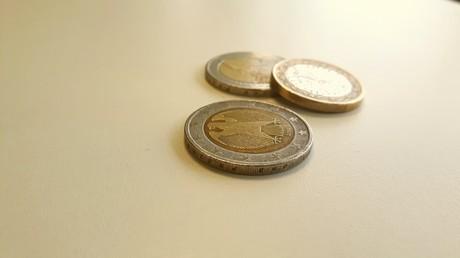 APL : une députée LREM se demande ce que vont «faire de leur vie» ceux qui «pleurent pour 5 euros»