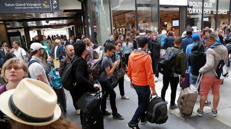 Passagers à la gare Montparnasse
