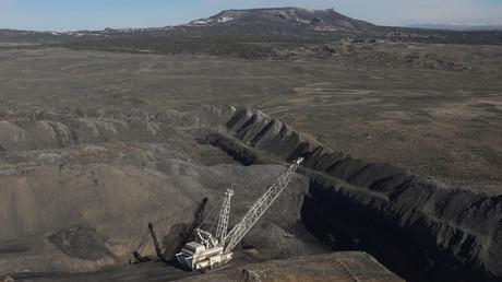 Accord commercial entre Kiev et Washington : l'Ukraine importe désormais du charbon américain