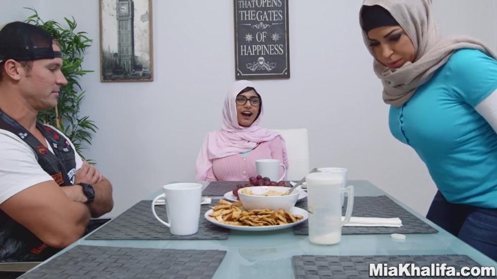 Daesh menacerait de décapitation la star du porno Mia Khalifa pour une scène en hijab