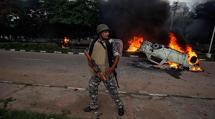 Inde : un gourou condamné à 20 ans de prison pour viol, de nouvelles violences redoutées (VIDEOS)