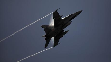 Un avions espagnol F-18 de l'OTAN