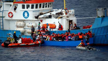 L'ONG allemande Jugend Rettet sauve des migrants en Méditerranée