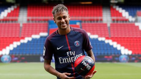 Neymar au PSG : entre le rêve et l'indécence, le cœur des internautes balance sur Twitter