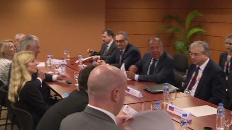 Rencontre entre le chef de la diplomatie russe Sergueï Lavrov et le secrétaire d'Etat Rex Tillerson