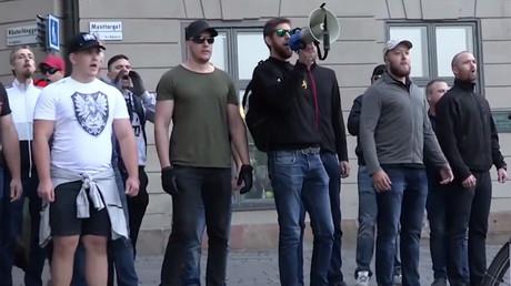 Des contre-manifestants anti-immigration le 8 août à Stockholm.