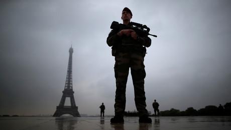 Un soldat de l'armée français en mission Sentinelle