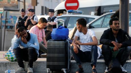 Des migrants à Paris (image d'illustration)