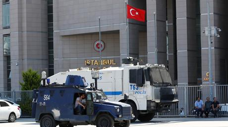 Istanbul : un policier tué par un membre présumé de Daesh dans une attaque au couteau