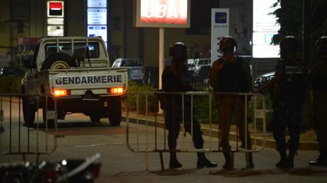18 morts dans une attaque terroriste visant un restaurant de Ouagadougou, deux assaillants abattus