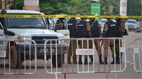 Un Français tué dans l'attaque au Burkina, enquête antiterroriste pour assassinat ouverte à Paris