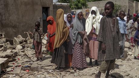 Attentats-suicides dans un camp de déplacés au nord-est du Nigeria : 28 morts et plus de 80 blessés