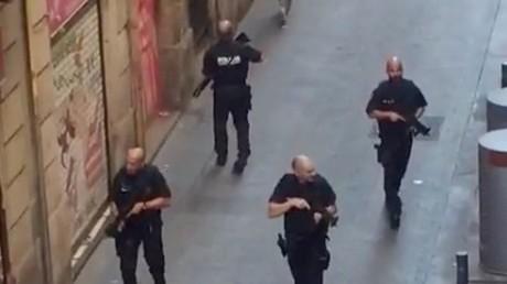 Attentat de Barcelone : La police dément la présence d'un suspect retranché dans un bar