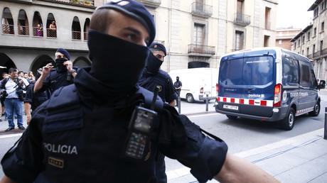 Un membre de la police autonome catalane le 18 août 2017 à Ripoll, photo ©PAU BARRENA / AFP