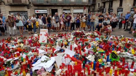 Autel en mémoire des victimes des attentats de Barcelone.