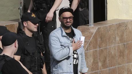 Kirill Serebrennikov à sa sortie du tribunal de Moscou, le 23 août