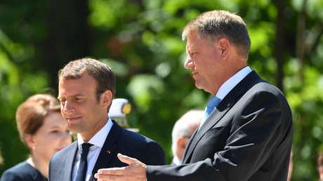 Emmanuel Macron s'exprime devant la presse avec son homologue roumain Klaus Iohannis