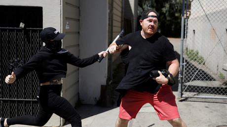Un photographe agressé par un militant antifasciste à Berkeley