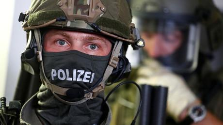 Un agent de la police fédérale allemande