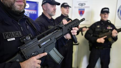 Image d'illustration. Policiers de la Brigade anti criminalité armés de fusils d'assaut.