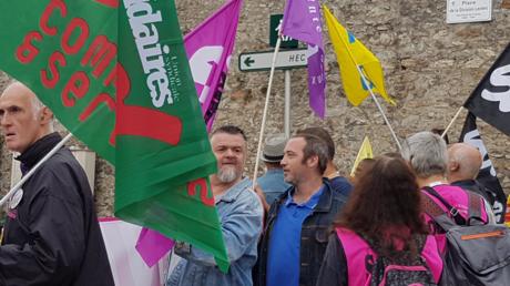 «Bloquons le Medef !» : des syndicats tentent de perturber l'université d'été du patronat (IMAGES)