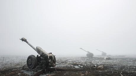 Des journalistes d'une chaîne russe surpris par des coups de feu ukrainiens près de Donetsk