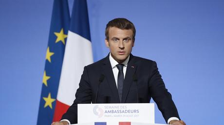 Le président Emmanuel lors de son discours de politique étrangère devant les ambassadeurs français, à Paris.