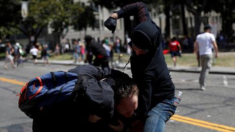 Le maire de Berkeley aux Etats-Unis demande que les antifas soient considérés comme des gangsters
