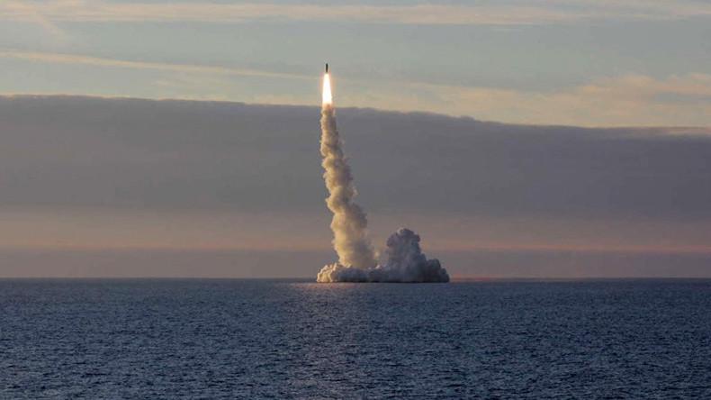 Syrie : deux sous-marins russes tirent des missiles de croisière sur Daesh